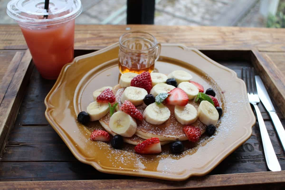 a pancake with fruits