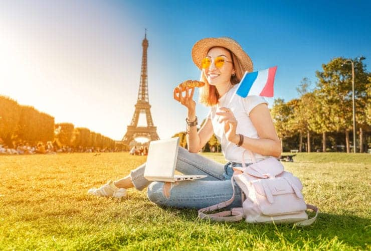 6 Ways to Find The Best Food While Travelling