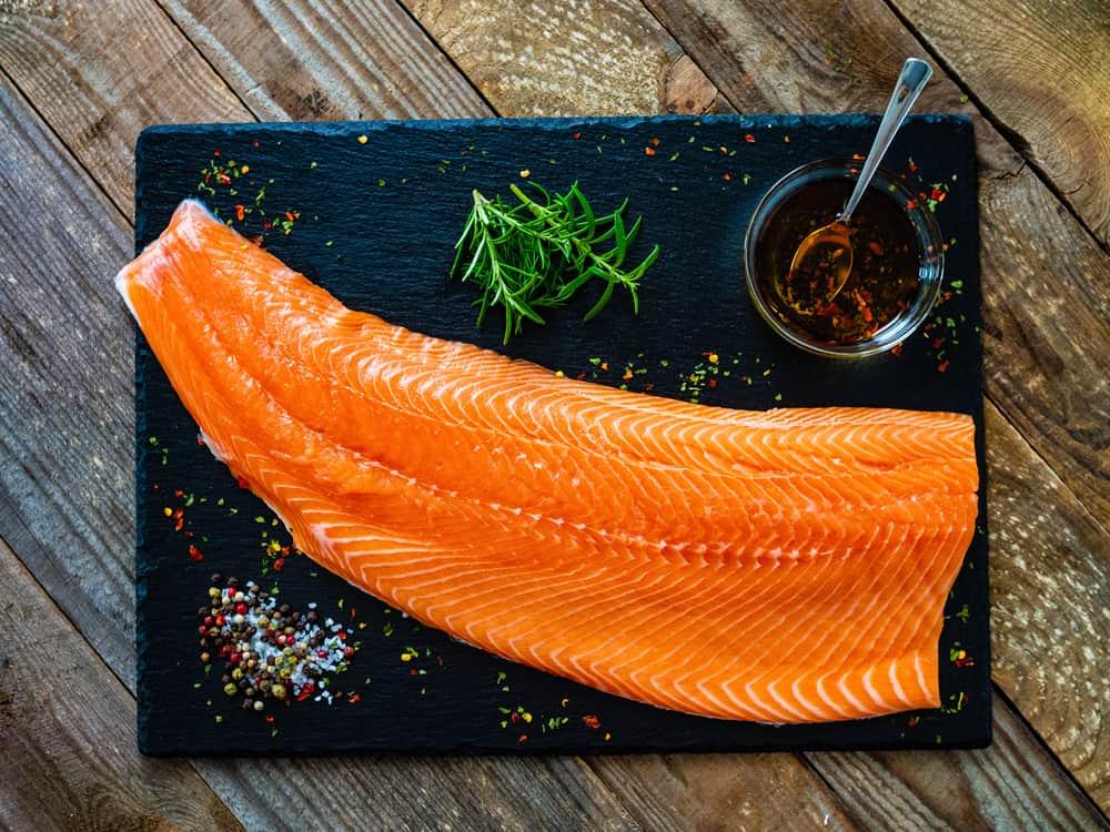 prepare-raw-salmon