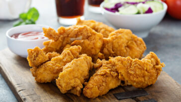 how-to-cut-chicken-breasts-into-tenders