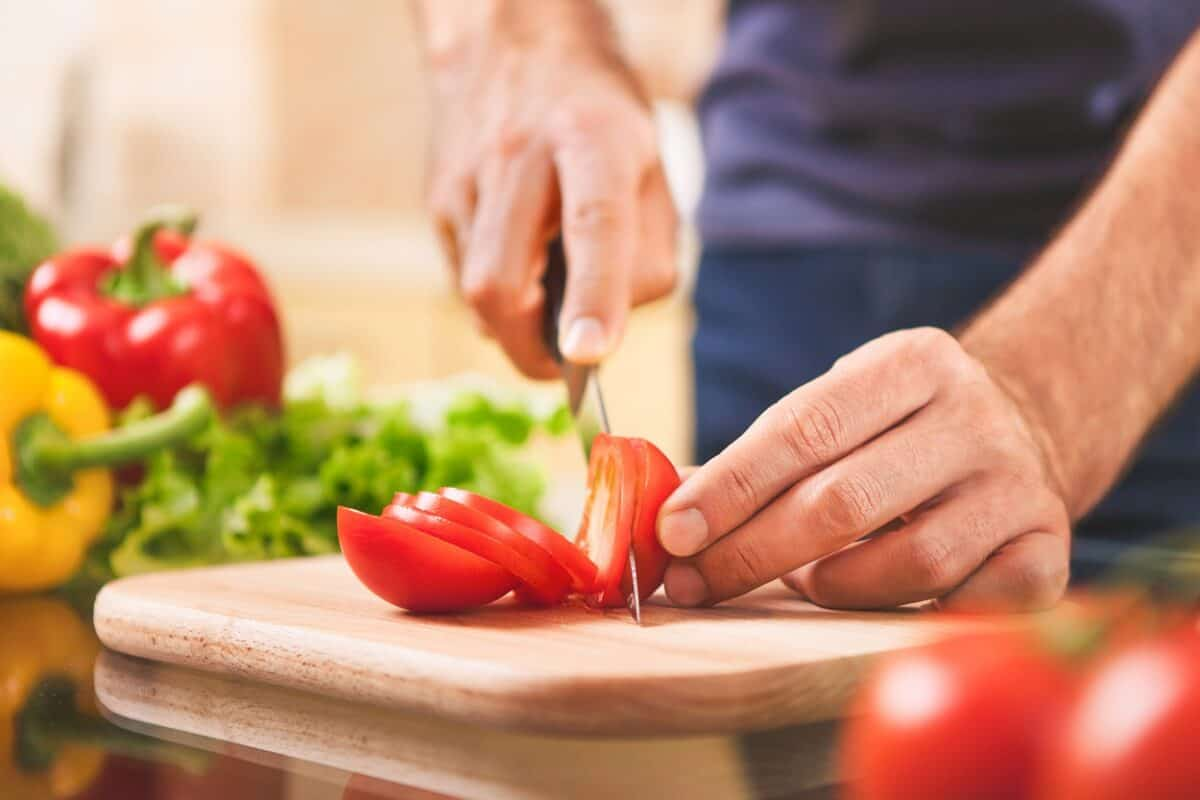 How to Cut Tomatoes?