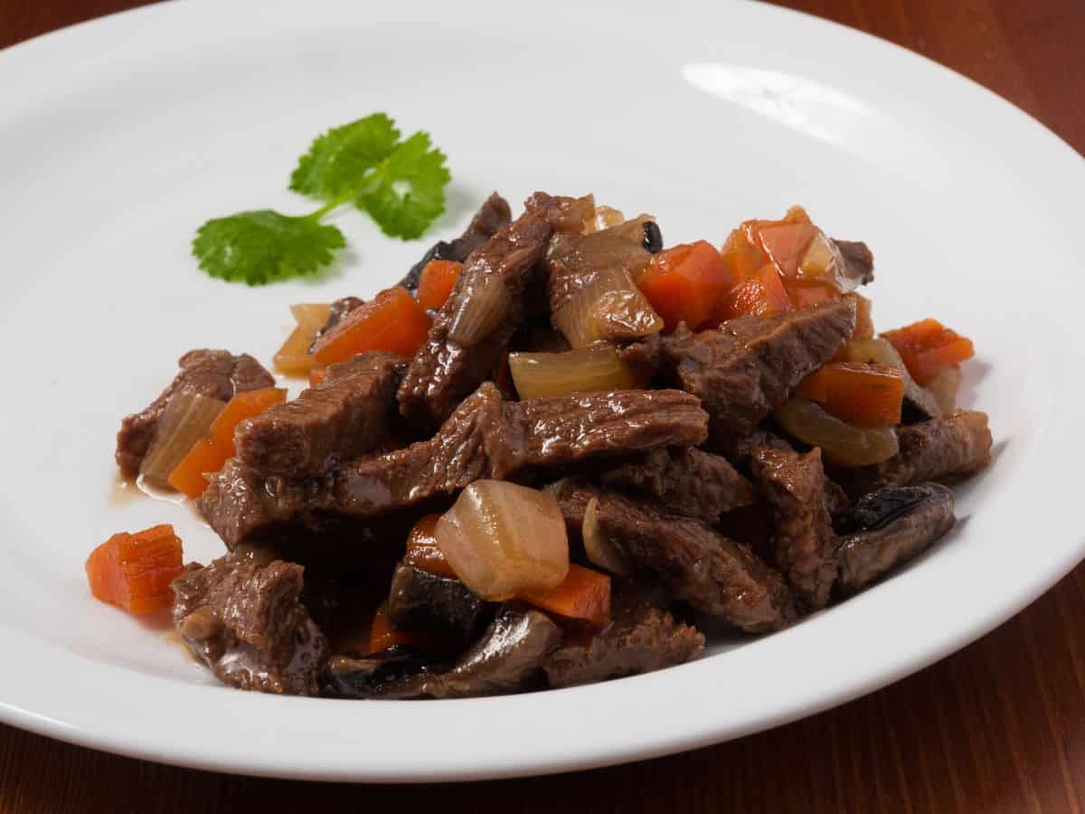 Stir fried beef with vegetables