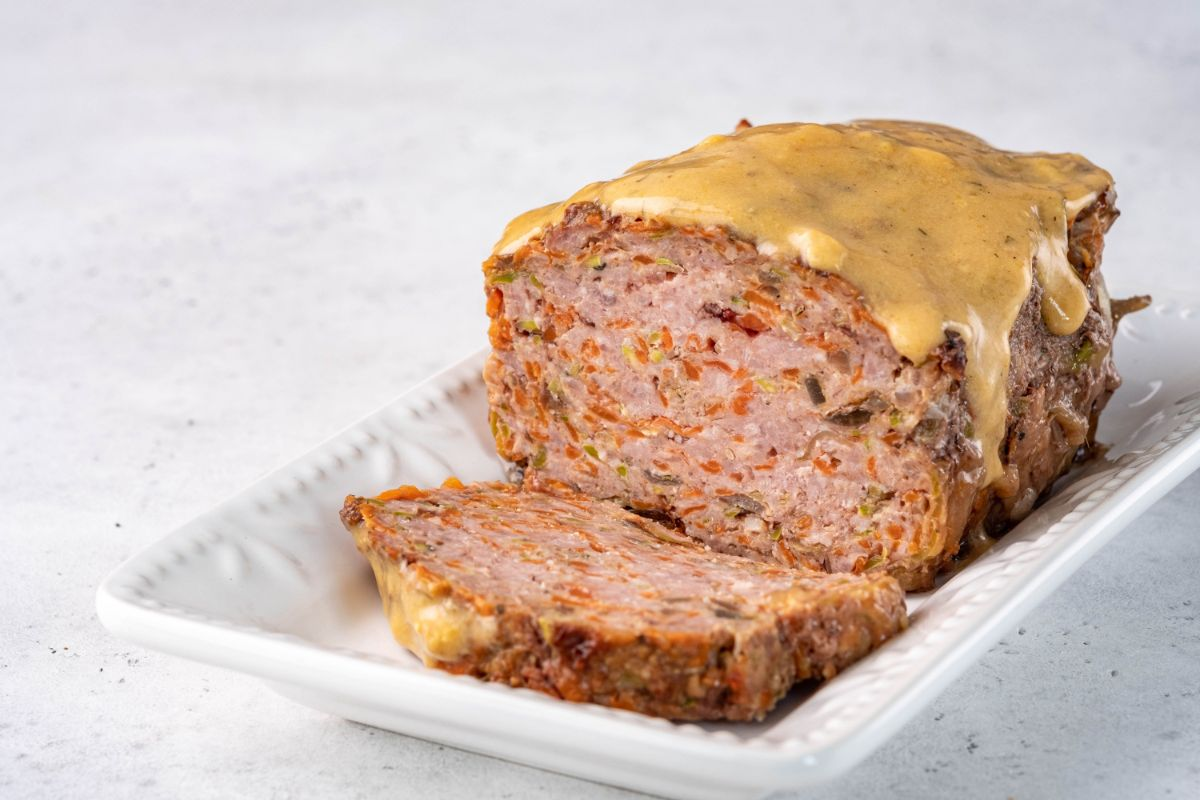 beef and pork meatloaf with gravy