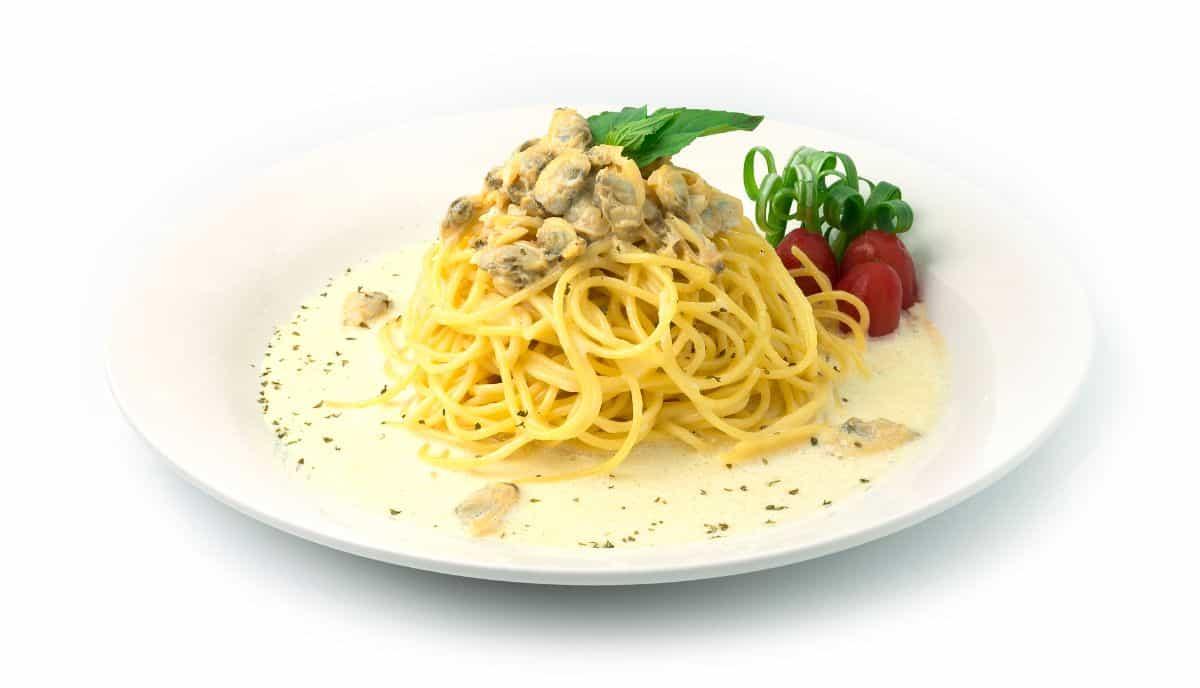 spaghetti in clam sauce